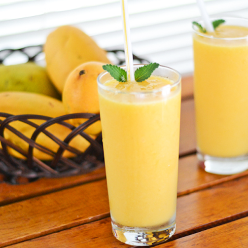 Alphonso Mango Smoothie is super smooth to make. Here's the recipe, give it a try. #TasteOfSummer http://bit.ly/AlphansoMangoSmoothie