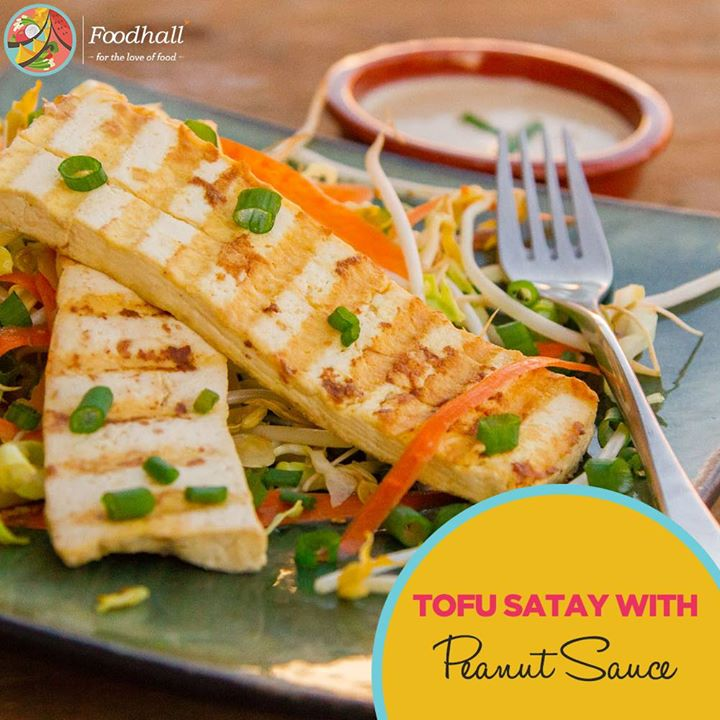 Truly a vegan's delight, grilled, marinated Tofu skewers served with spicy peanut sauce make for a fabulous entrée.  Taste the magic at Foodhall @ Palladium Mumbai, 1 MG Road, Phoenix Market City,Pune