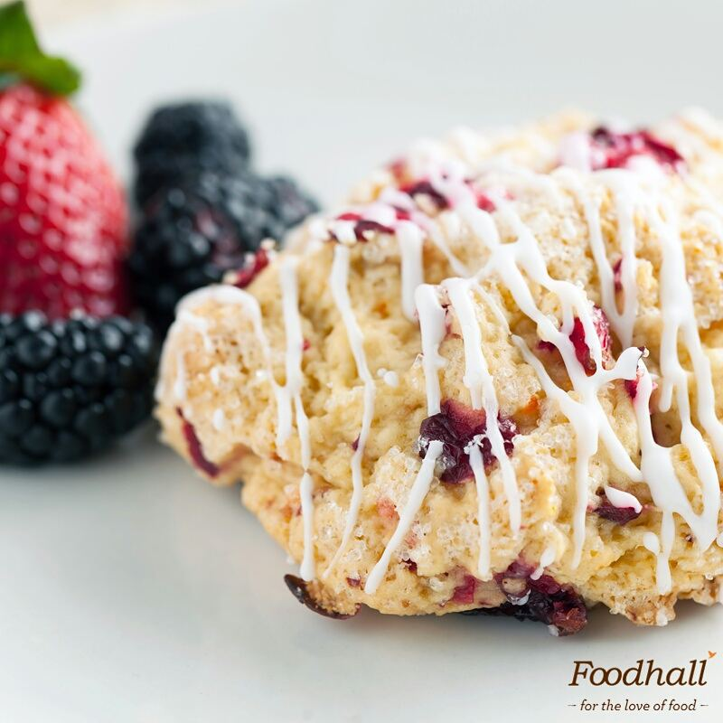 Our customized cranberry orange scones with chantilly cream and homemade preserve are our ideal accompaniment for a high tea. What's yours?  #FoodhallIndia #Festival #PartyChef