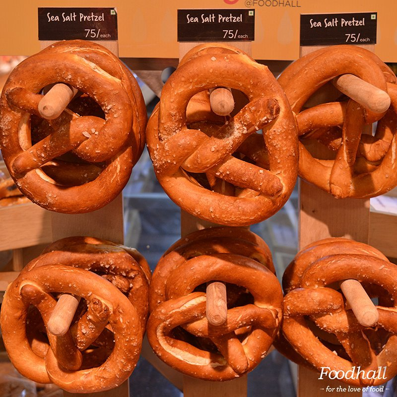 Fresh out of the oven artisan pretzels big enough for two! Try them with Foodhall Special cream cheeses and indulge yourself this Saturday evening. It's Chef Olivier's secret recipe. #ForTheLoveOfFood #foodhallindia  Have a great weekend!
