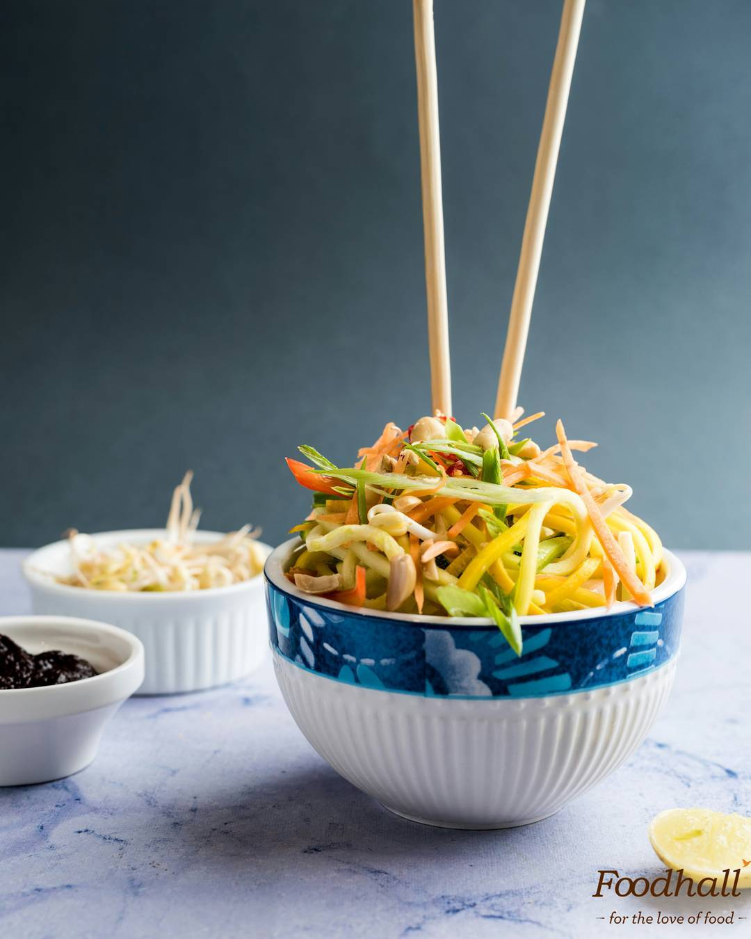 Looking for #dinner in a jiffy? Grab our DIY Pad Thai Kit! With oodles of zoodles, bell peppers, and dressing, it's a surefire way to make mid-week meals a lot easier.  #ForTheLoveOfFood #FoodhallIndia