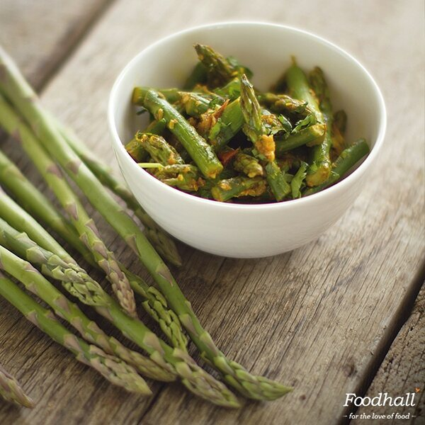 We're loving @harighotra's recipe of Asparagus with Indian spices - a pleasant change for anyone who's a fan of something a bit different. Know what goes into making it by clicking the link in our bio.  #ForTheLoveOfFood #FoodhallIndia