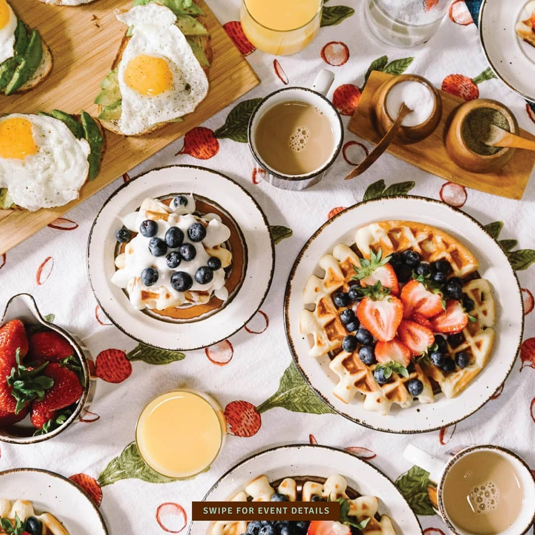 Plan a big fat breakfast this weekend and invite your friends over! Swipe for event details to get some interesting breakfast ideas.  #fortheloveoffood #breakfast #breakfastideas