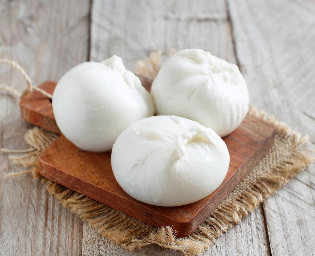 Immerse yourself in the creamy texture of freshly-made Burrata at our cheese cellars. Slice into the flavour packing mozzarella to reveal the silky stracciatella that goes brilliantly with our freshly baked sourdough bread. Drizzle over some balsamic vinegar for a perfect morning treat!  #FoodhallIndia #ForTheLoveOfFood #ForTheLoveOfCheese #Burrata