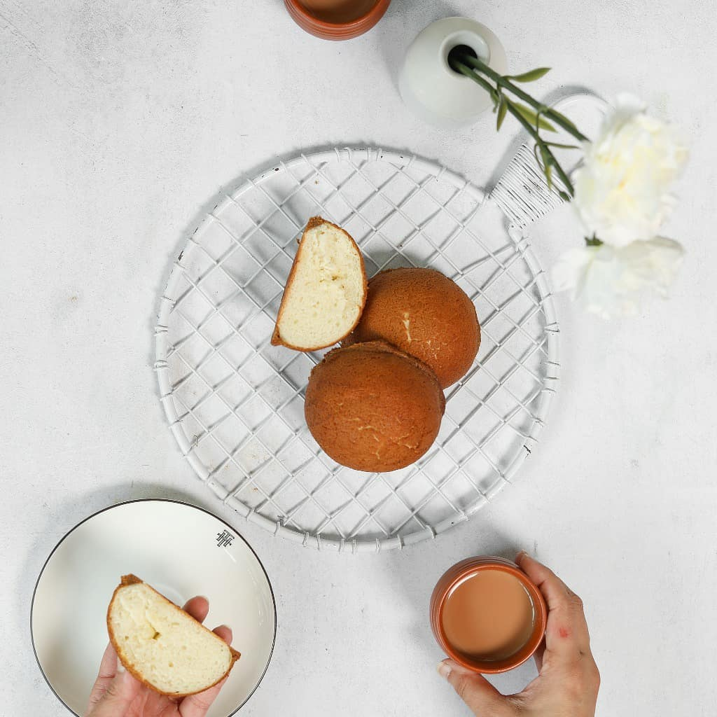 With the monsoons finally pouring down on us, the temptation to stay in has never been greater. This month, Foodhall is celebrating the simple pleasures of the season with a menu designed to bring comfort, contentment and uplifting warmth to your home.  Boost your carb count with stuffed buns from @thtbyfoodhall (inverted Vada Pao or Vietnamese coffee bun anyone?), or with our perfectly-craveable stuffed croissants (think S'mores, Ferrero Rocher, Nutella and more!) We have nourishing soups, pull-apart breads and plenty of impeccably-fresh produce to inspire a quick and easy dinner at home too.  Simply order in your #MonsoonStaycation essentials via @scootsyit (Mumbai) or call us on 8095031111 and make the most of your cosy evening in, as we deliver everything you need straight to your doorstep!  #FoodhallIndia#ForTheLoveofMonsoons #ComfortFood #BeautifulCuisines #OnTheTable #Fresh #KitchenEssentials #DinnerInspiration