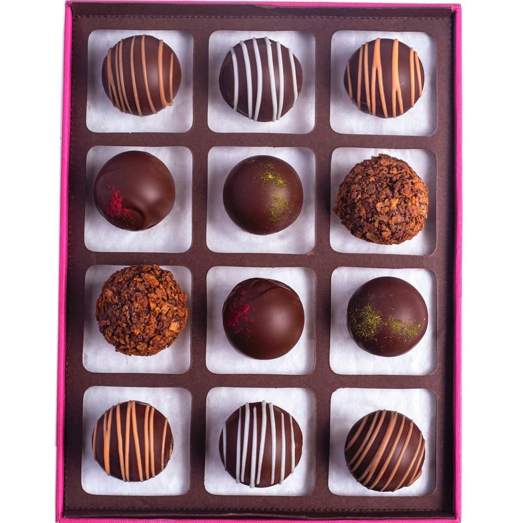 Calling on all chocolate-lovers to indulge in a game of truffle draughts. The rules are simple. Devour your way through our Xoco57 chocolate box, one delicious truffle at a time! It's a win-win indeed.  Discover our exquisite selection of truffles, pralines, chocolate barks from Xoco57 at a Foodhall near you, or order in for your Diwali gifting by calling us on +918095031111.  #ForTheLoveofChocolate #FoodhallIndia #Xoco57 #Truffles #ChocolateTruffles #ChocolateLovers #DiwaliGifting #Diwali #FestiveSeason