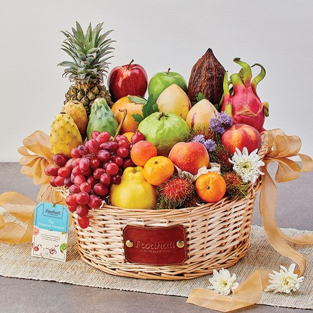 Dragon fruits, Thai guavas, Rambutans, Valencia Oranges & more – Our Tropical Hampers are bursting with an exotic medley of sweetness , scents, textures and colours!⠀ ⠀ Truly, we can't think of a more transporting gift this #Diwali than our fruit hampers, handpicked with an assortment of the world's freshest and finest fruits! Discover more at a Foodhall near you. You can also order in by calling us on 809503111 or via @ScootsyIt (Mumbai only).⠀ ⠀ #ForTheLoveoFruits #FoodhallIndia #Diwali #FestiveSeason #FruitGifting #FruitHampers #FreshFruits #TropicalFruits #DiwaliGifting #DiwaliHamper