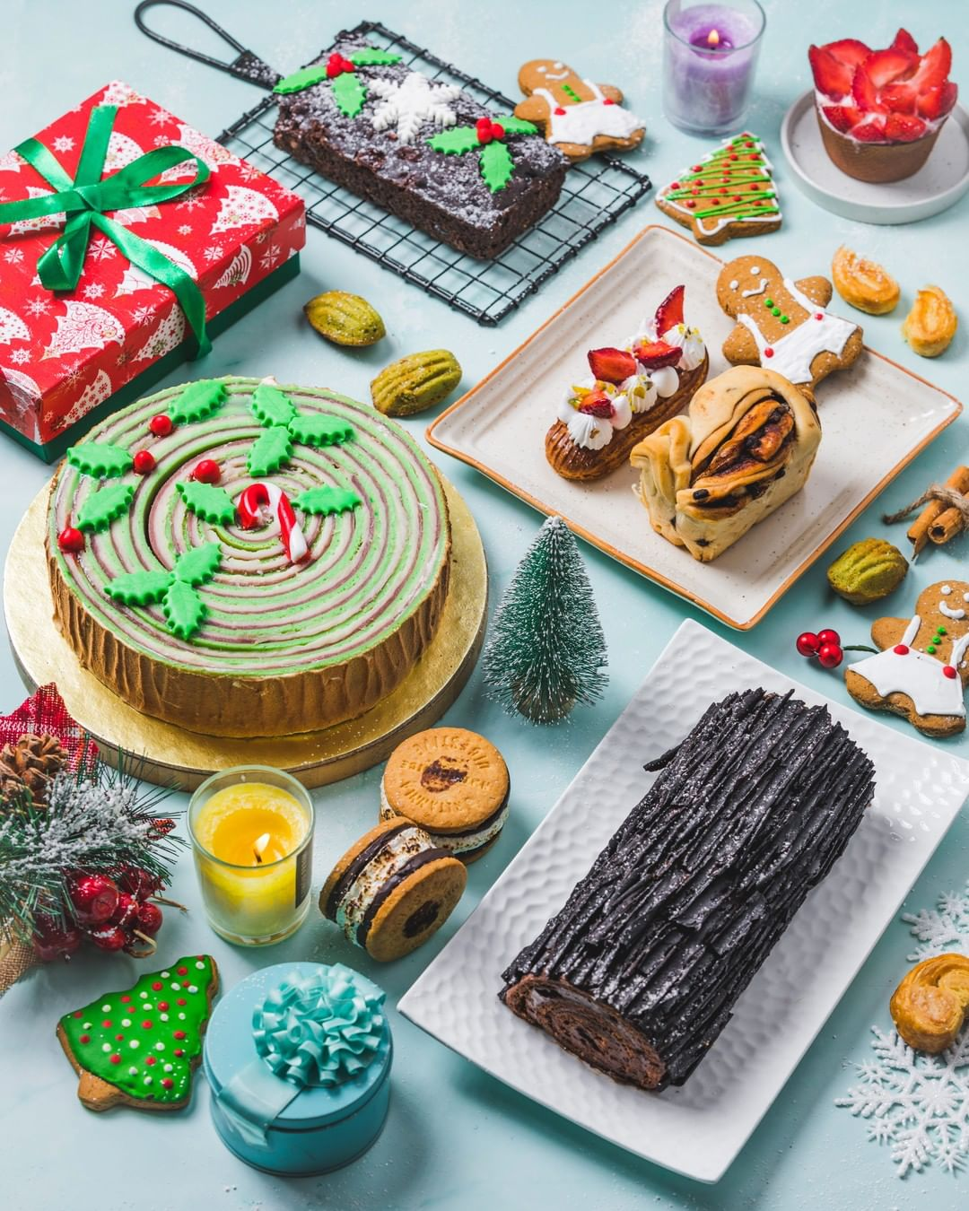 This #December, we're delighted to reveal that The Claus' are taking over #FoodhallIndia with oodles of their Christmas goodies and seasonal traditions!  Mrs. Claus' globe-trotting medley of merry sweet treats features a festive line-up from plum cakes mince pies and log cakes to pannetone, dry fruit stollen and Christmas cookies & cupcakes!  Of course, you can expect a fitting festive makeover of our stores too, replete with edible Croquembouche Christmas trees, life-size gingerbread houses, Christmas carols, cosy corners for an indulgent cuppa cocoa and so much more…  #ForTheLoveofChristmas, see you at a Foodhall near you!  #FoodhallIndia #Christmas2019 #ChristmasinIndia #FestiveSeason #FestiveTreats #ChristmasTreats #ChocolateLogCake #Stollen #MincePies #Pannetonne #ChristmasCookies #ChristmasCupcakes #PlumCakes