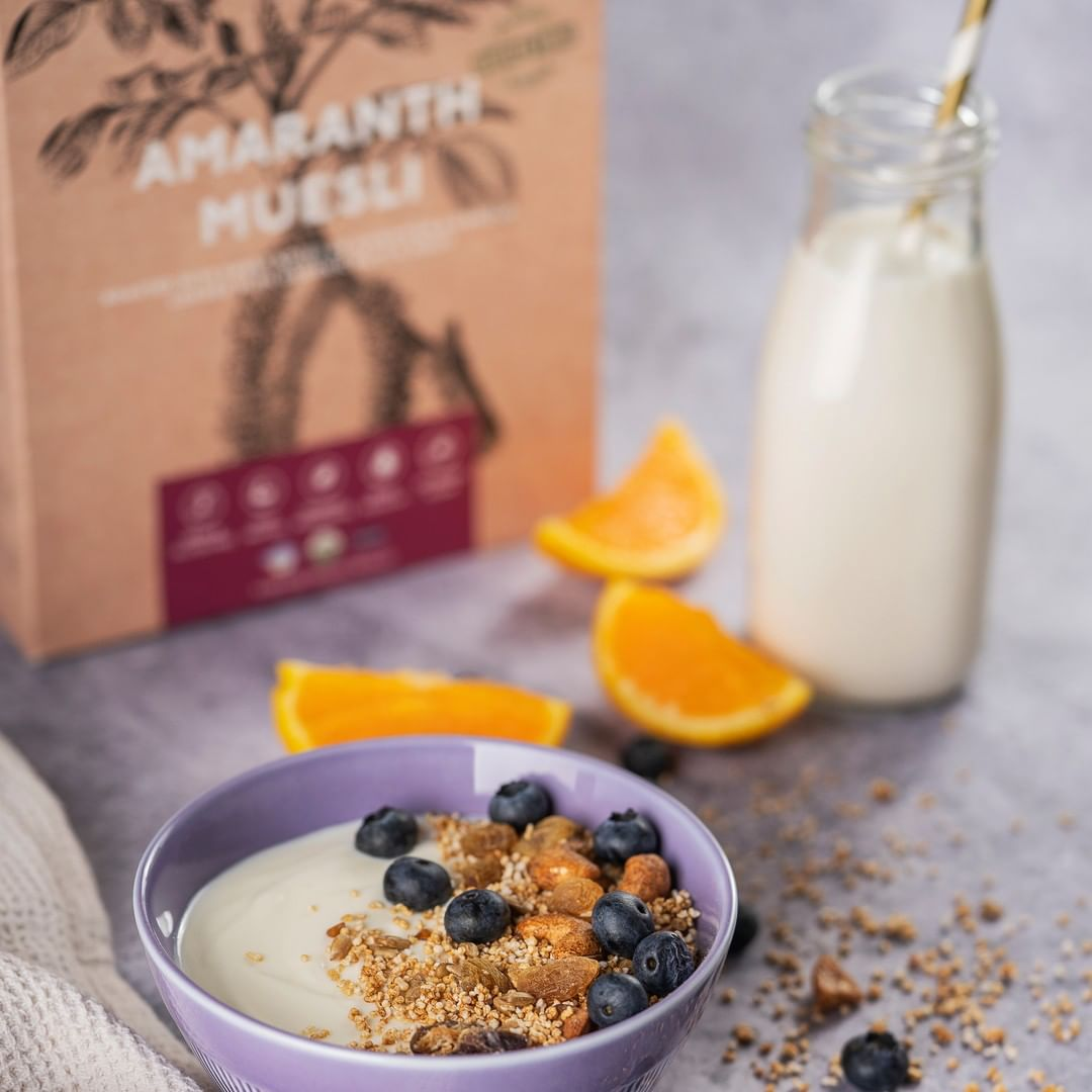 Set a steadying start to your day with a bliss-bowl of yogurt and Amaranth Muesli from @nourish.organics. This nutty, crunchy super-blend is packed with wholesome whole-foods like Amaranth seeds and organic muesli along with cinnamon and vanilla for a dash of warmth. Enjoy it with fruit compote or simply as a deliciously-healthy snack on its own!  #FoodhallIndia #FortheLoveofHealthyEating  #NourishOrganics #ConciousEating #OatsGranola #TasteOfHealth