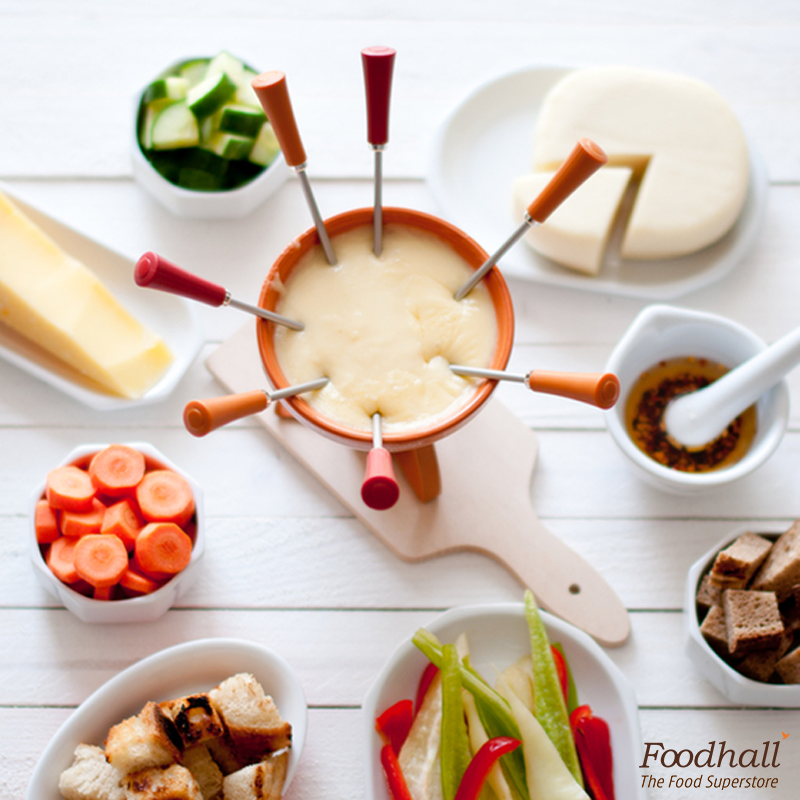 Serve the classic Swiss cheese fondue with white wine tonight. It's a classic way to treat your guests! https://t.co/F0jm9anGxL