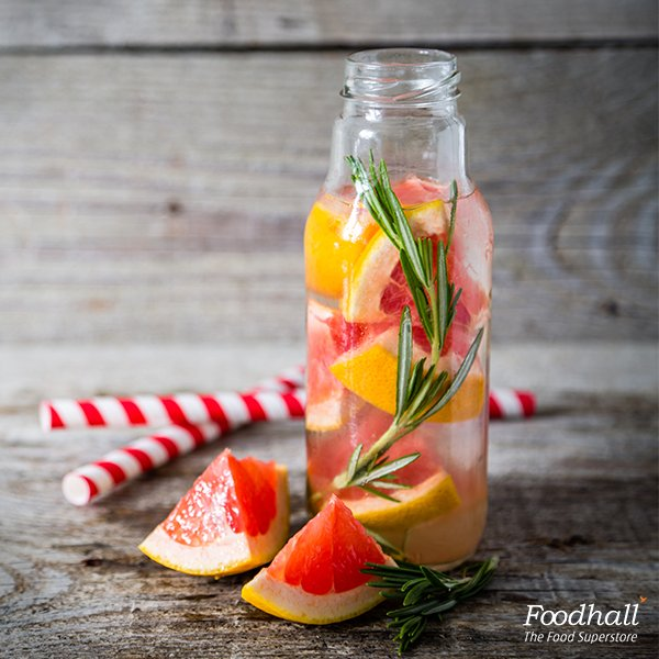 Fill your bottle with citrusy goodness!  Add grapefruit, berries and mint to water for a natural detox! https://t.co/Z5ZM6vLGXx