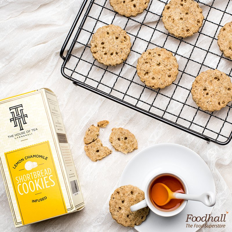 Come join us from 4 pm to 7 pm on #HighTeaFriday and taste our new range of delicate cookies from The House of Tea. https://t.co/vWTKy5ypmV