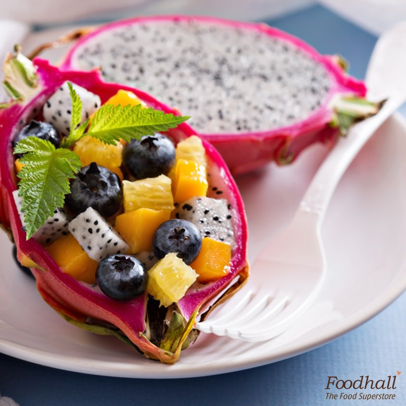 Add #dragonfruit to your regular fruit salad; garnish with mint leaves and honey for a quick & #healthy #snack! https://t.co/E0MT8Fijsa