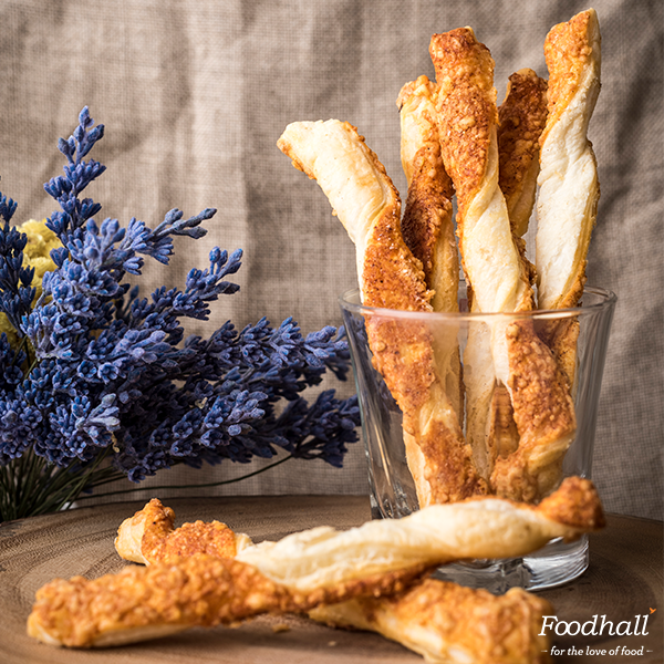 Need #snacks for your next party? Our Parmesan cheese straws are the perfect munchies for adults and kids alike! https://t.co/5hW3ickGtO