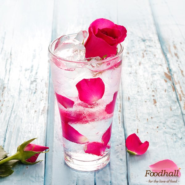 Kick off the festive season with the subtle flavours of floral drinks. Here are a few ideas to get you started: https://t.co/vqHN2msATY https://t.co/FF7uCHIYDf