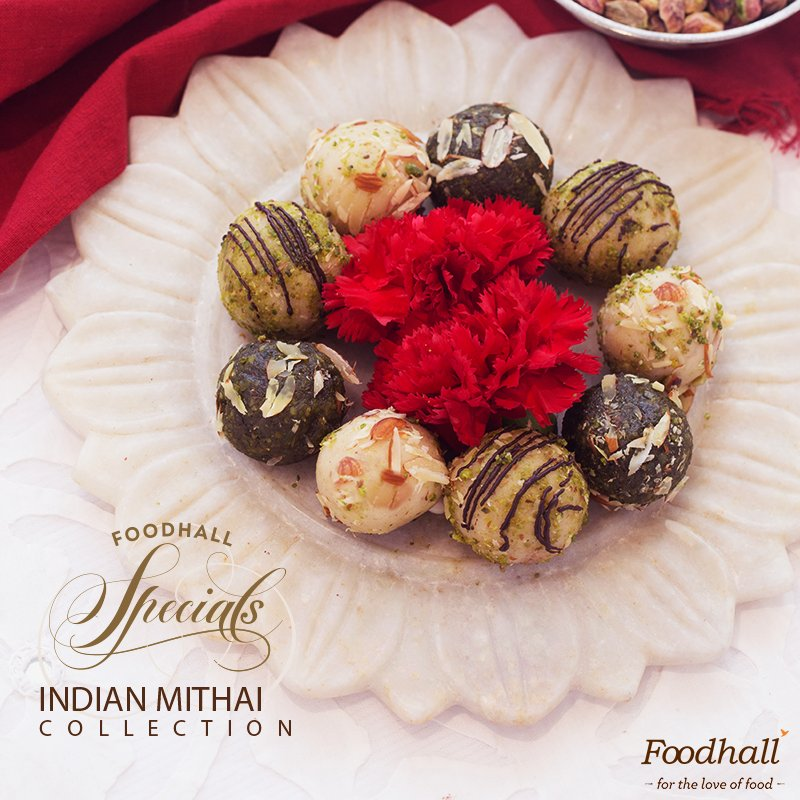 Our Mithai menu is a mix of traditional sweets & new creations like assorted truffles & more. Try it this #Diwali : https://t.co/7Lu9UHuf2v https://t.co/3gOq6U0Blm