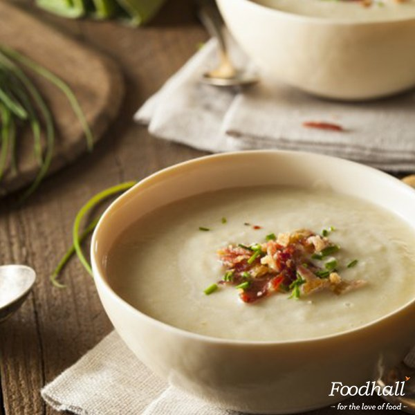 Warm up your winter nights with a wonderful bowl of creamy comfort. Try the classic Leek and Potato Soup for #dinner https://t.co/sDAeVICYdi https://t.co/8u98U0n4Kt