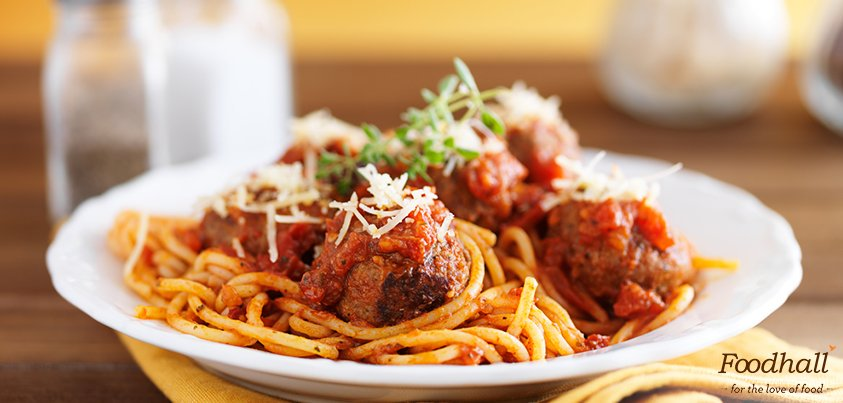 A classic, foolproof meatball recipe that will be your go-to. Serve with salad or spaghetti - it tastes just as good!https://t.co/SybOrf3ngF https://t.co/tlXl60heuc