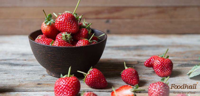 It's strawberry season & we have tips for picking, storing & giving delicious new avatars to this #winter fruit: https://t.co/FsBi9HJlAJ https://t.co/3hiswEuo5u