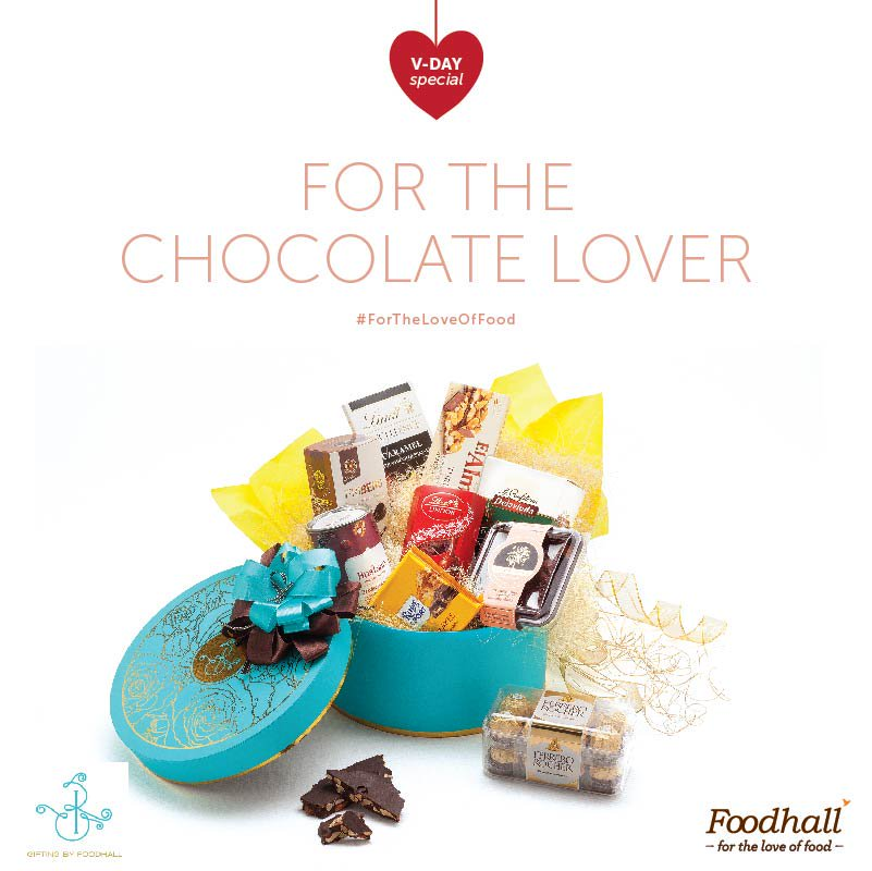 Gift your chocoholic sweetheart our Chocolat Surprise Hamper. Because 1 isn't enough #ForTheLoveOfFood #ValentineSpecial #FoodhallRecommends https://t.co/IYcm0xTzya