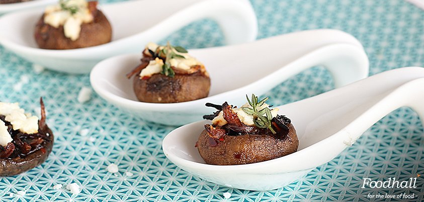 Love mushrooms & #cheese? If the answer is 'Yes', you must try this Feta Shrooms #recipe by @AmritaOfLife: https://t.co/sqg9MWsacc https://t.co/XhdQQc5PX7