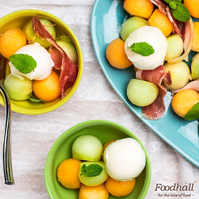 Summer salad #recipe: melons + bocconcini + prosciutto + mint + extra virgin olive oil = 🥗 Post a picture of your favourite #salad & tag us! https://t.co/WcmSxliLzD