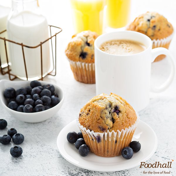 It's always nice to have a stud(ded) muffin at the table 😉 It's #Blueberry #Muffin Day & we're giving away one to everybody who walks in! https://t.co/ayiRxN95mh