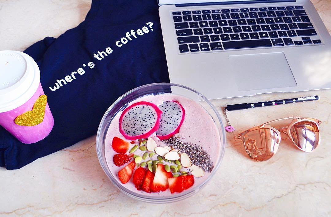 #Breakfast that makes waking up easy! Take a cue from Nikita Butalia & explore #fruits & #superfoods at our store for power-packed mornings💯 https://t.co/R7v50pq05Z