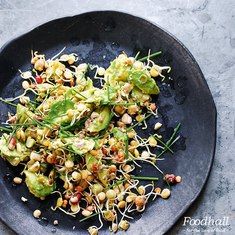 We're loving this Avocado Smash from @TheDetoxKitchen: https://t.co/KdYgdfJwTN Share your avocado creations & we'll retweet the ones we like https://t.co/Oxic22ipCj
