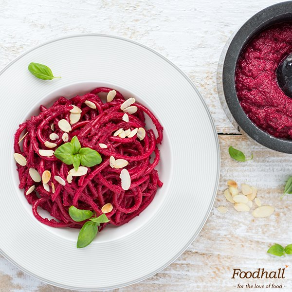 Cooking a meal for date night?  Toss pasta in Beetroot Pesto. It adds some fun + it's purple (antioxidants!) #Recipe:https://t.co/0rMRYhizRQ https://t.co/cTtI6GOZN3