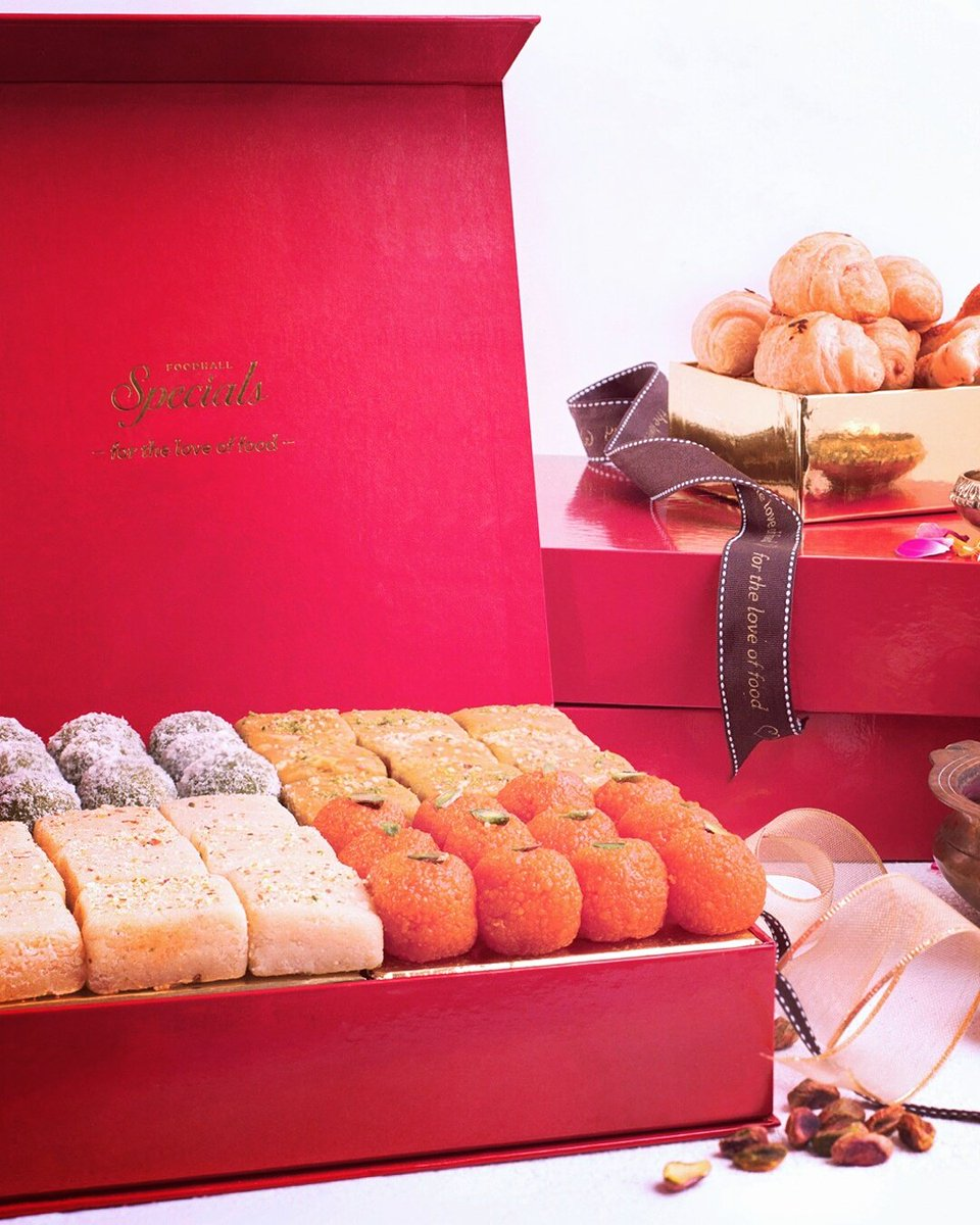 Good news, this festive season! Fill your Bento Box with Middle Eastern sweets, Mithai's & chocolates. Come by our stores & check them out! https://t.co/fjDpYE91gg