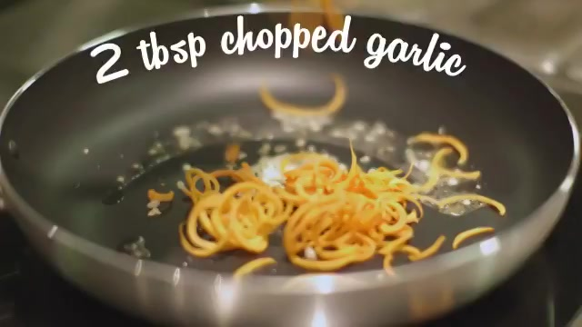 Love for noodles getting in the way of your diet? Our flavourful & healthy Asian carrot zoodle recipe is the fix! https://t.co/mFbJzFnQjU