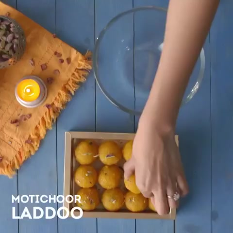 Wondering what to do with an abundant stock of mithai? Watch this video to give it a new avatar & make a quick treat for #bhaidooj. https://t.co/21MtdgVV8b